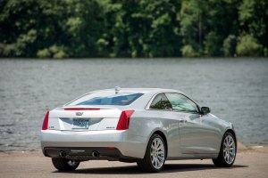 2015-Cadillac-ATScoupe-054