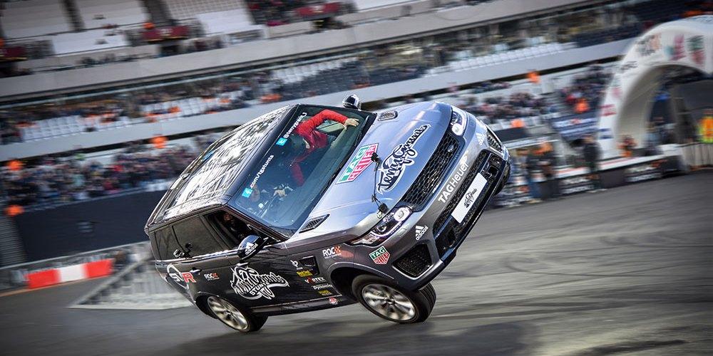 Guinness World Record a bordo de un Range Rover Sport SVR