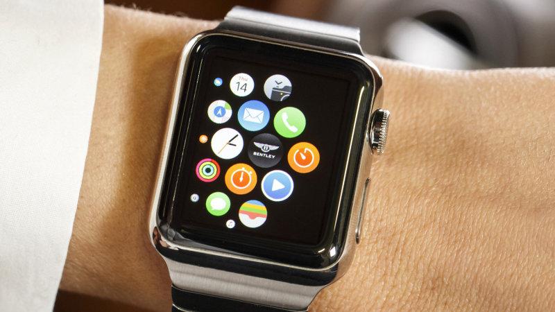 bentley_bentayga_apple_watch_closeup