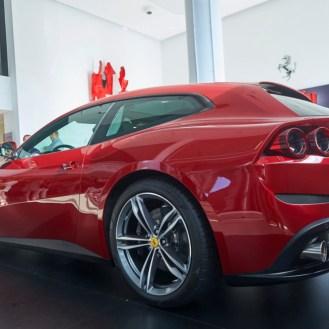 Ferrari GTC4 Lusso 2