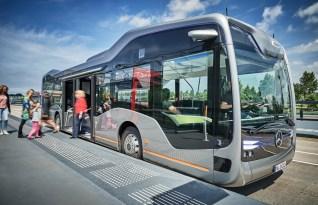 Mercedes-Benz Bus autónomo 1