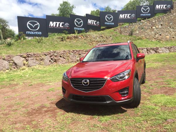 """Por el cliente: hacen su """"Master"""" en Mazda"""