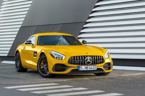 Mercedes-AMG GT S, solarbeam ;Kraftstoffverbrauch kombiniert: 9,4 l/100 km, CO2-Emissionen kombiniert: 219 g/km Mercedes-AMG GT S, solarbeam; Fuel consumption combined: 9.4 l/100 km; Combined CO2 emissions: 219 g/km