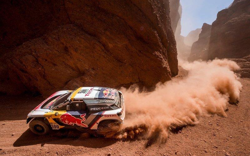 Dakar 2017: Peterhansel domina en Coches, Barreda en Motos