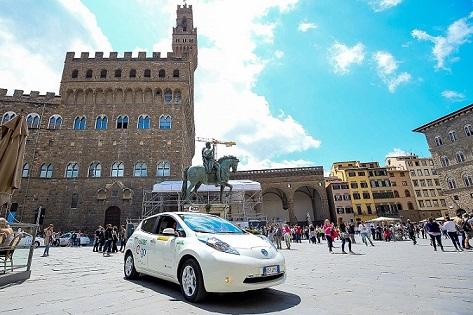Nissan LEAF electriza la ciudad de Florencia en Italia