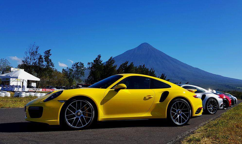 Porsche911Guatemala2018(1)