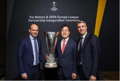 KIA firma acuerdo con la UEFA Europa League en Ginebra