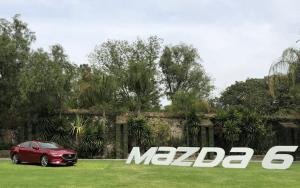 Mazda 6 Turbo: manejo de alto nivel