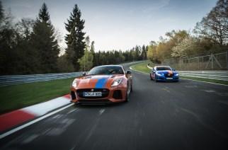 Jaguar y el Nürbugring con un F-TYPE SVR y XJR575 Race Taxi, ¿te subes?