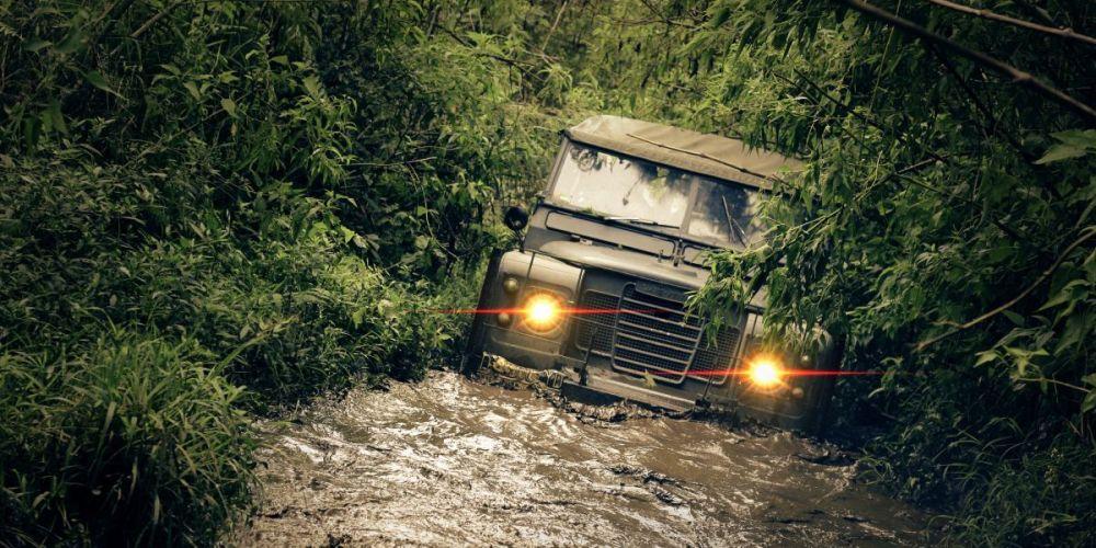 ¿Cuál es la diferencia entre AWD y 4WD?