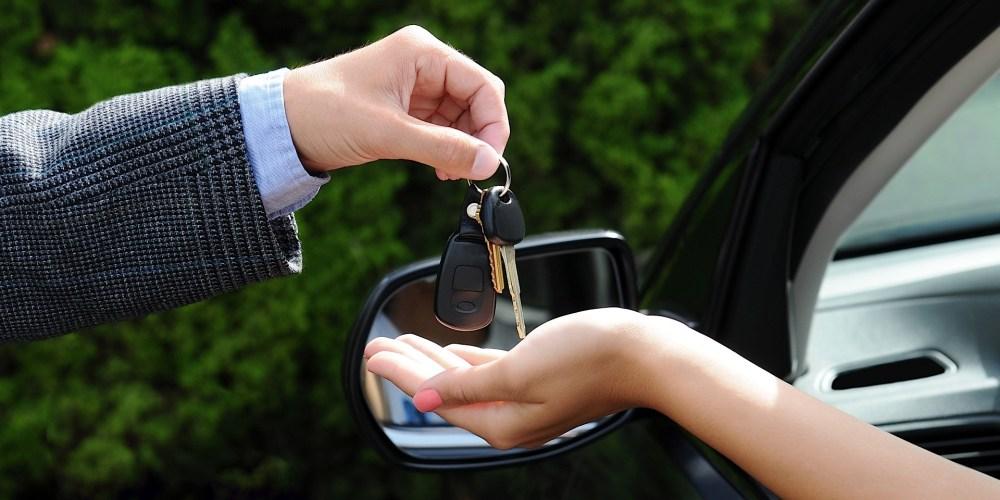 ¿Cómo puedo vender mi auto usado por la mayor cantidad de dinero posible?