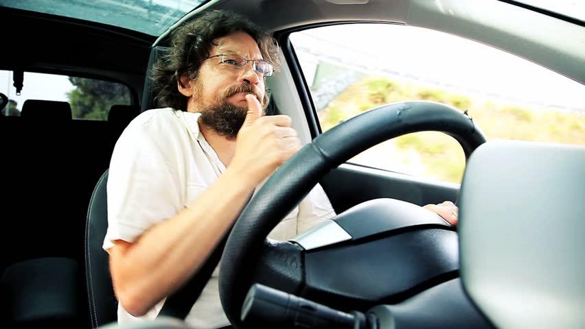 Cosas locas y raras que la gente hace mientras conduce