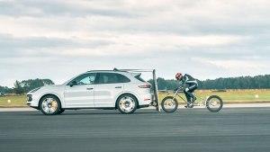 Porsche ayuda a romper el récord de velocidad a una bicicleta europea