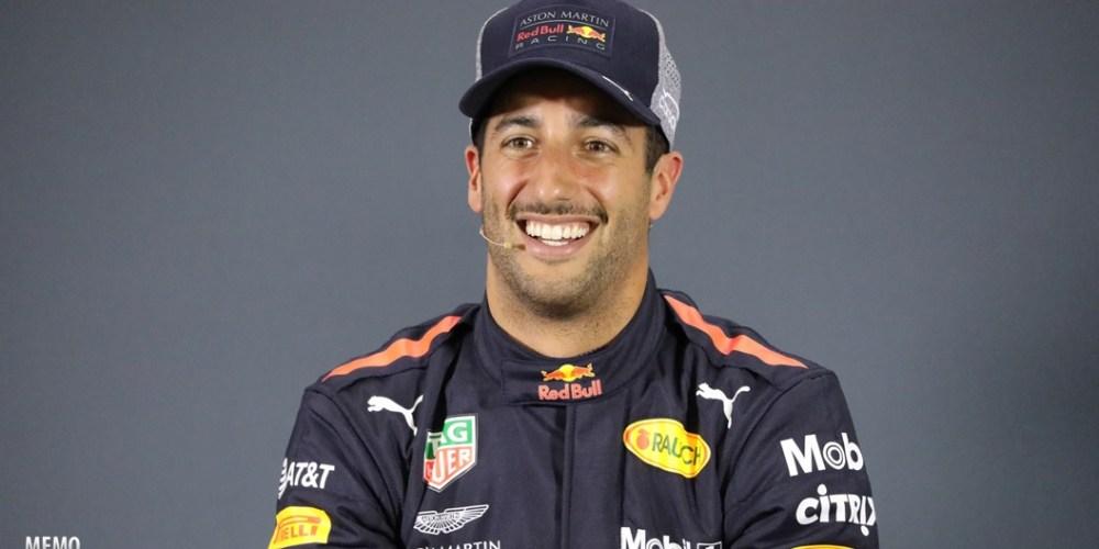 Ricciardo supera a Verstappen y consigue la pole position