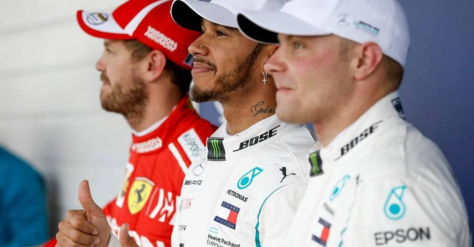 Hamilton consigue la pole 100 para Mercedes