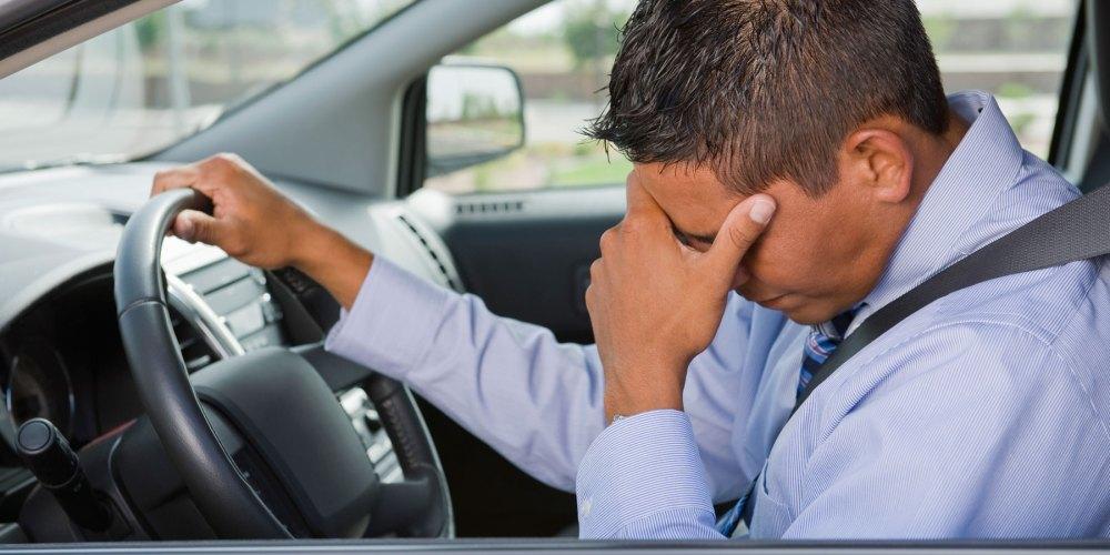 6 hábitos que tienes y que están dañando tu auto