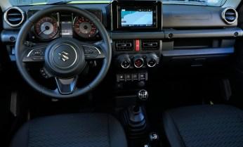 Suzuki-Jimny-interior