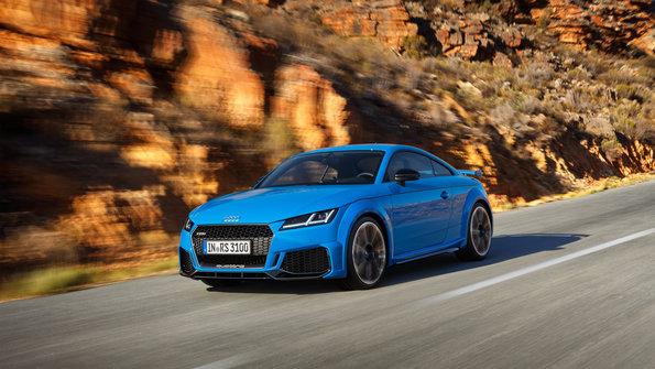 El Audi TT RS Coupé y Roadster se actualizan