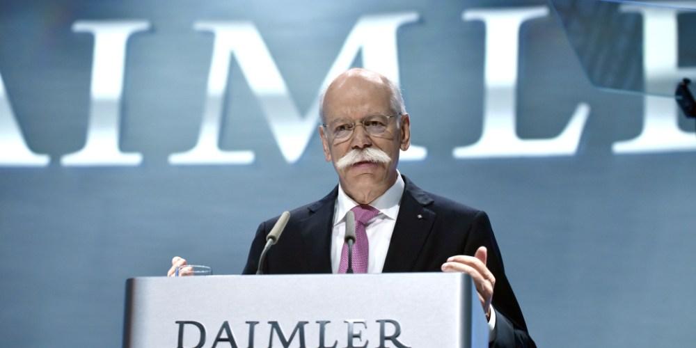 Cambios importantes en Daimler, Dieter Zetsche entrega a Ola Källenius