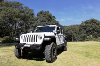 ¡Mujer libre es mujer Mopar! El todoterreno con Jeep nunca fue tan divertido