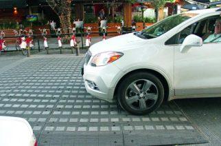 Esto es lo que le pasa a tu auto cada vez que te pasas un tope