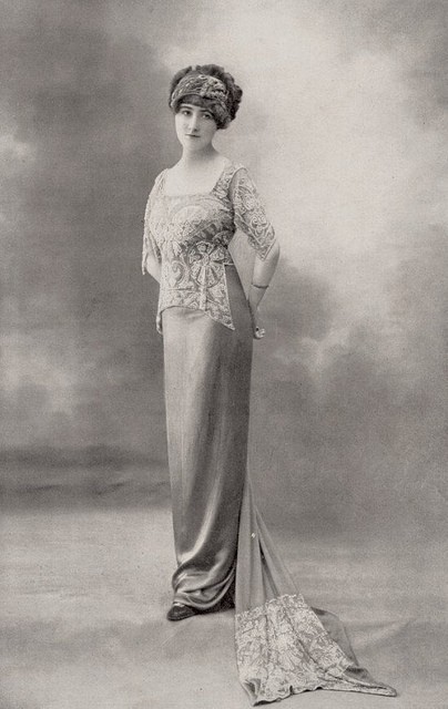 Fashion of The 1900s (1)