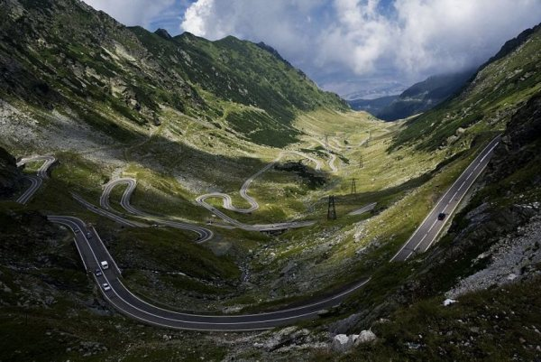 beautiful-roads-around-the-world-21