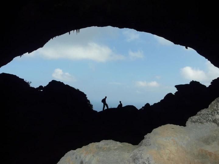 Hawk-cave-in-Hala-East-of-Socotra-island