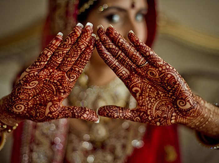 Traditional Henna Tattoo: Traditional Indian Temporary Henna Tattoos