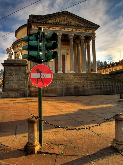 Clet-Abraham-Street-Art-Signs-France-Paris-Florence-Italy-Rome-013