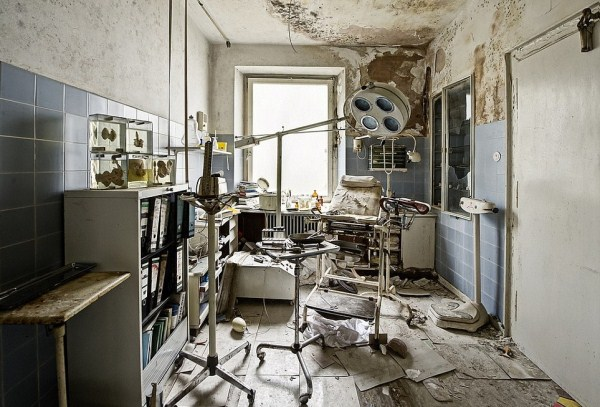doctors-abandoned-mansion-17