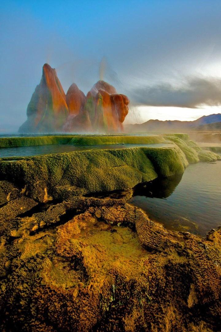 fly-geyser-nevada-7