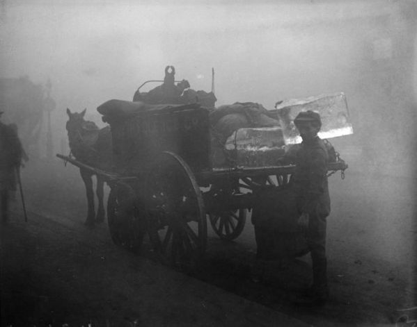 haunting_photos_of_the_london_fog_02