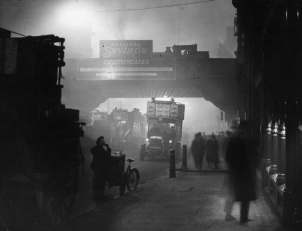 haunting_photos_of_the_london_fog_13