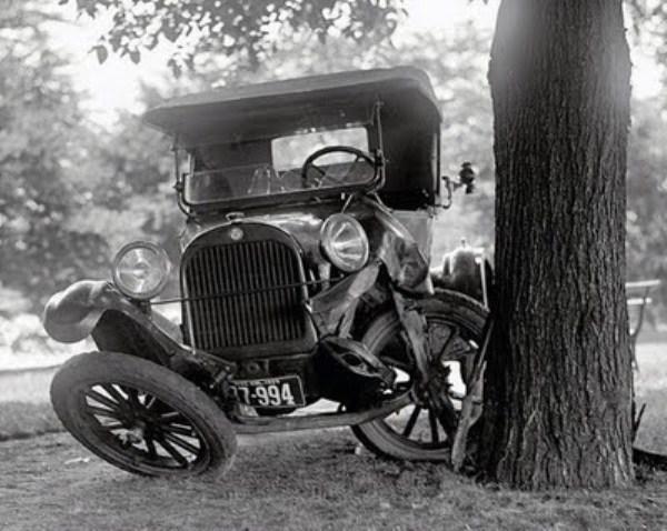 vintage-car-accidents-341