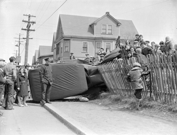 vintage-car-accidents-401