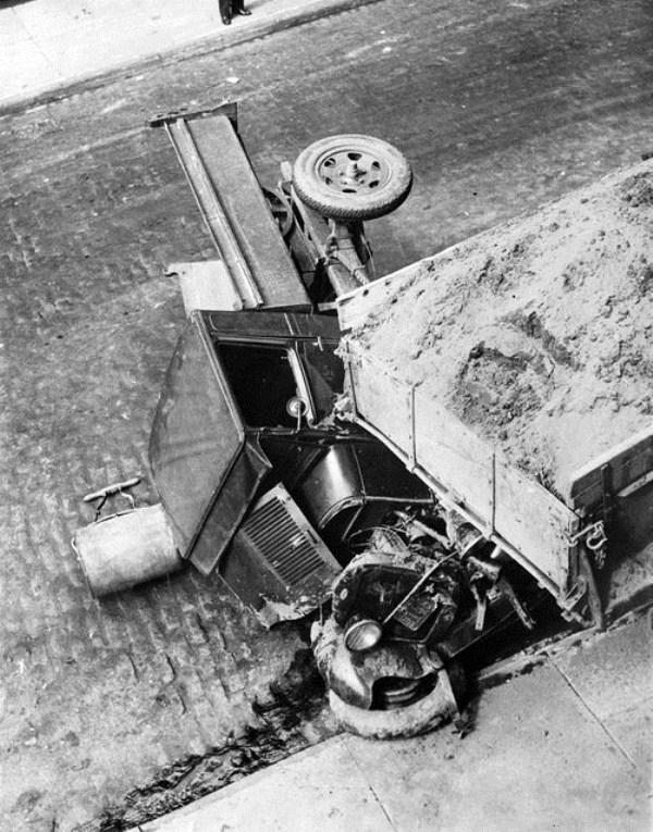 vintage-car-accidents-431
