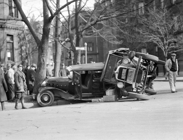 vintage-car-accidents-461