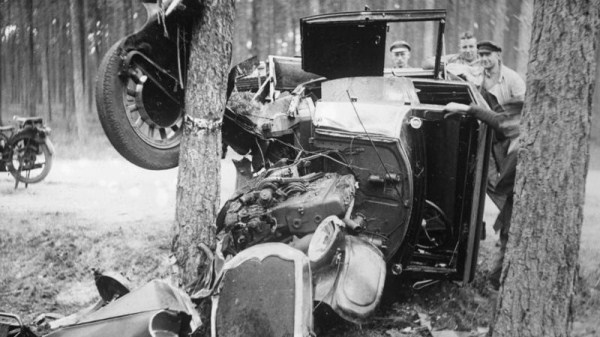 vintage-car-accidents-501