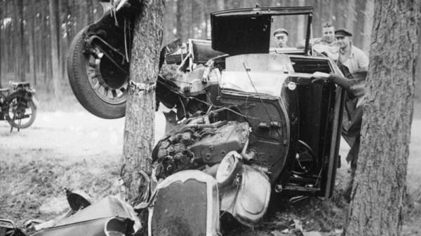 vintage-car-accidents-501