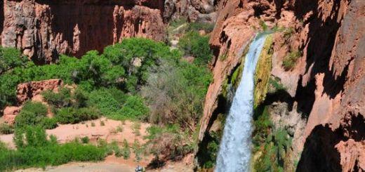 Waterfall inside Grand Canyon