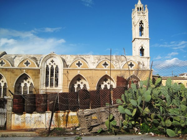 Cyprus-Famagusta-Varosha-ghost-town-falling-to-ruins