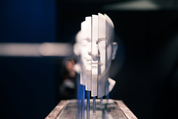 The-Hurwitz-Singularity-by-Jonty-Hurwitz,-,-as-part-of-Illusion-at-Science-Gallery-Dublin.-Image-by-Science-Gallery-(sciencegallery.com)-2
