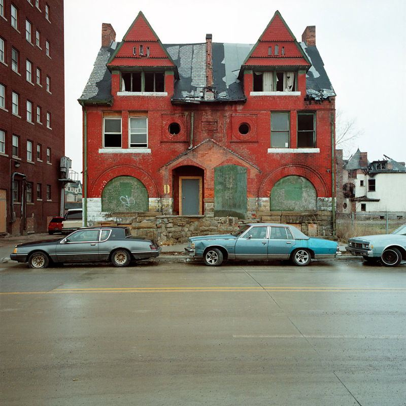 Staggering Photos Of An Abandoned Detroit (21 Pictures