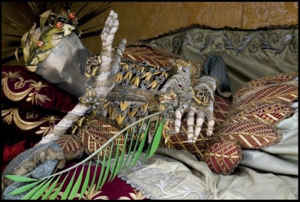 jewel-encrusted-skeletons-1
