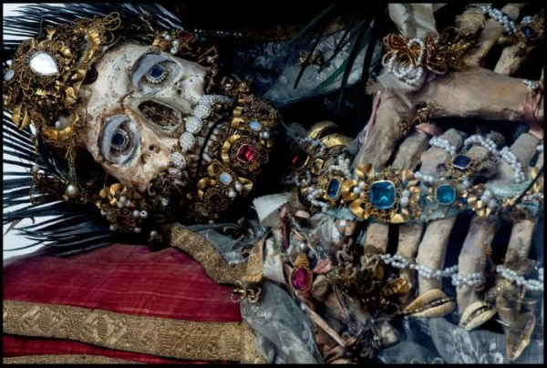 jewel-encrusted-skeletons-3