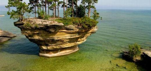 beautiful_turnip_rock_lake_huron1