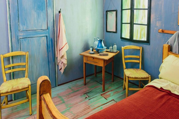 aic-museum-recreates-van-gogh-bedroom-painting-and-puts-it-on-airbnb-5