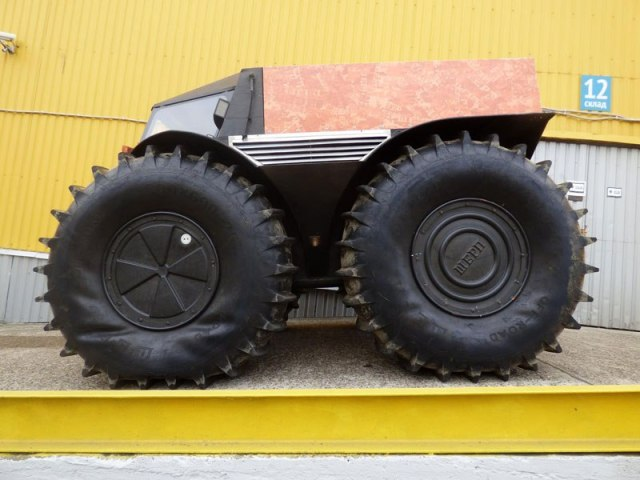 sherp-atv-russian-amphibious-truck-with-monster-wheels-8