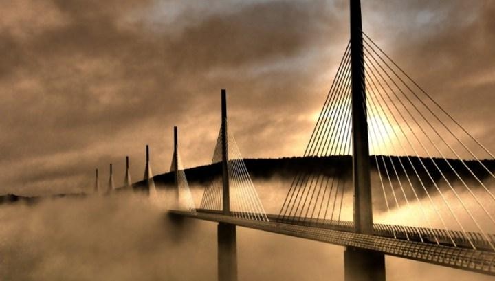 millau-viaduct-13[2]